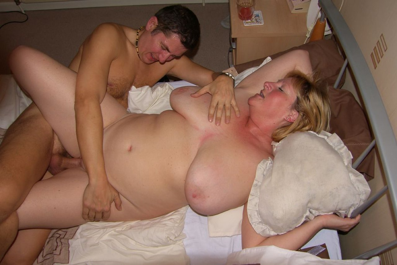 Sucked off by chubby redhead